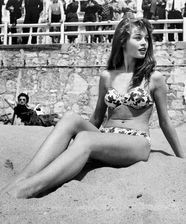 Brigitte Bardot bikini 1953