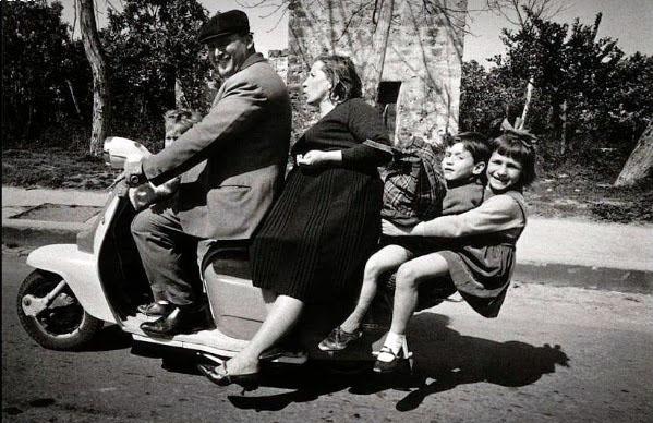 Famiglia in Vespa anni 50