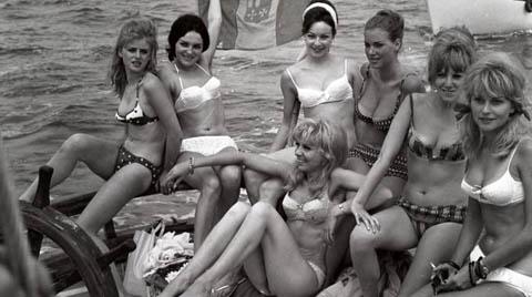 Ragazze a Riccione anni 60